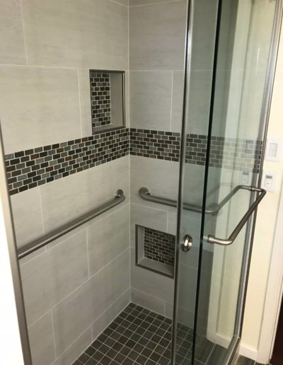 Professional bathroom remodel by Quartz Construction San Jose