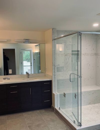 Amazing bath remodeling by Quartz Construction San Jose